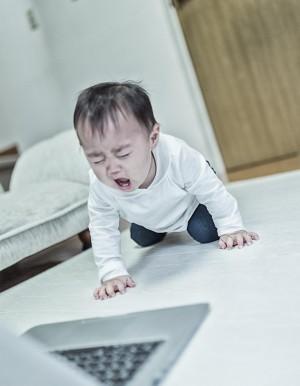 仕事にかまけて、子供にかまえずに怒られる